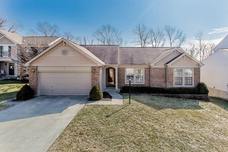 real estate photo 1 for 326 Snow Shoe Dr Southgate, KY 41071