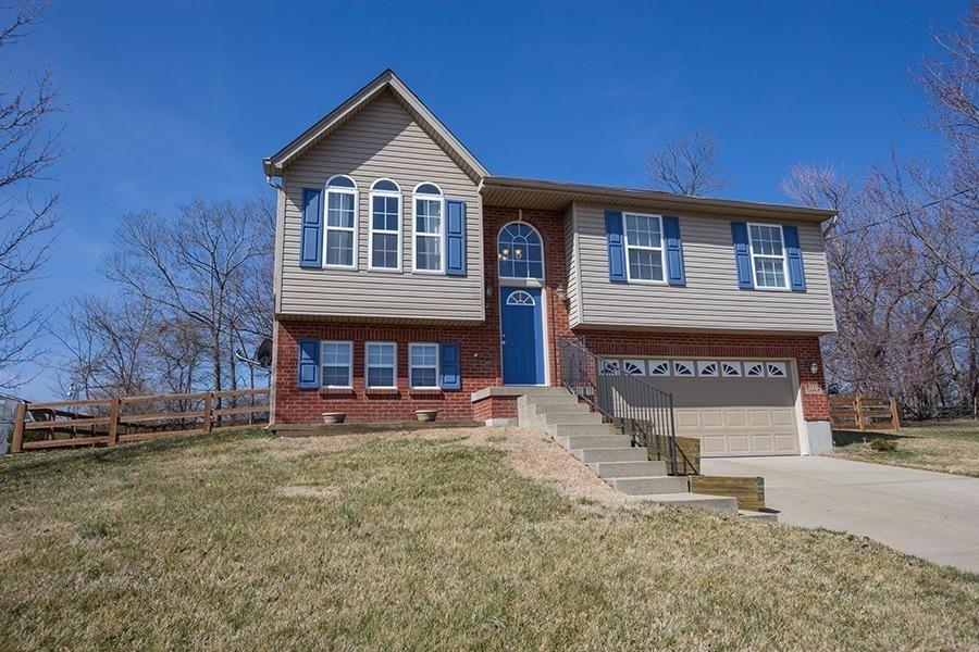 real estate photo 1 for 320 Center Park Dr Florence, KY 41042