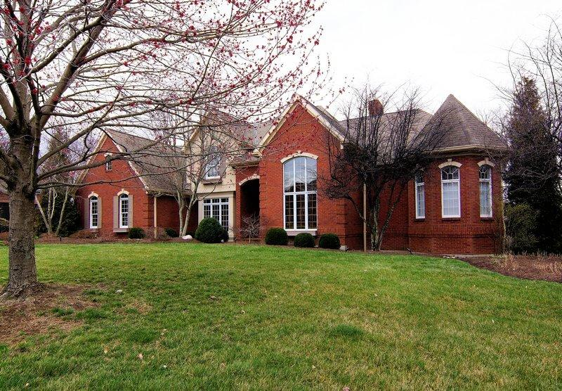 real estate photo 1 for 682 Canterbury Dr Edgewood, KY 41017