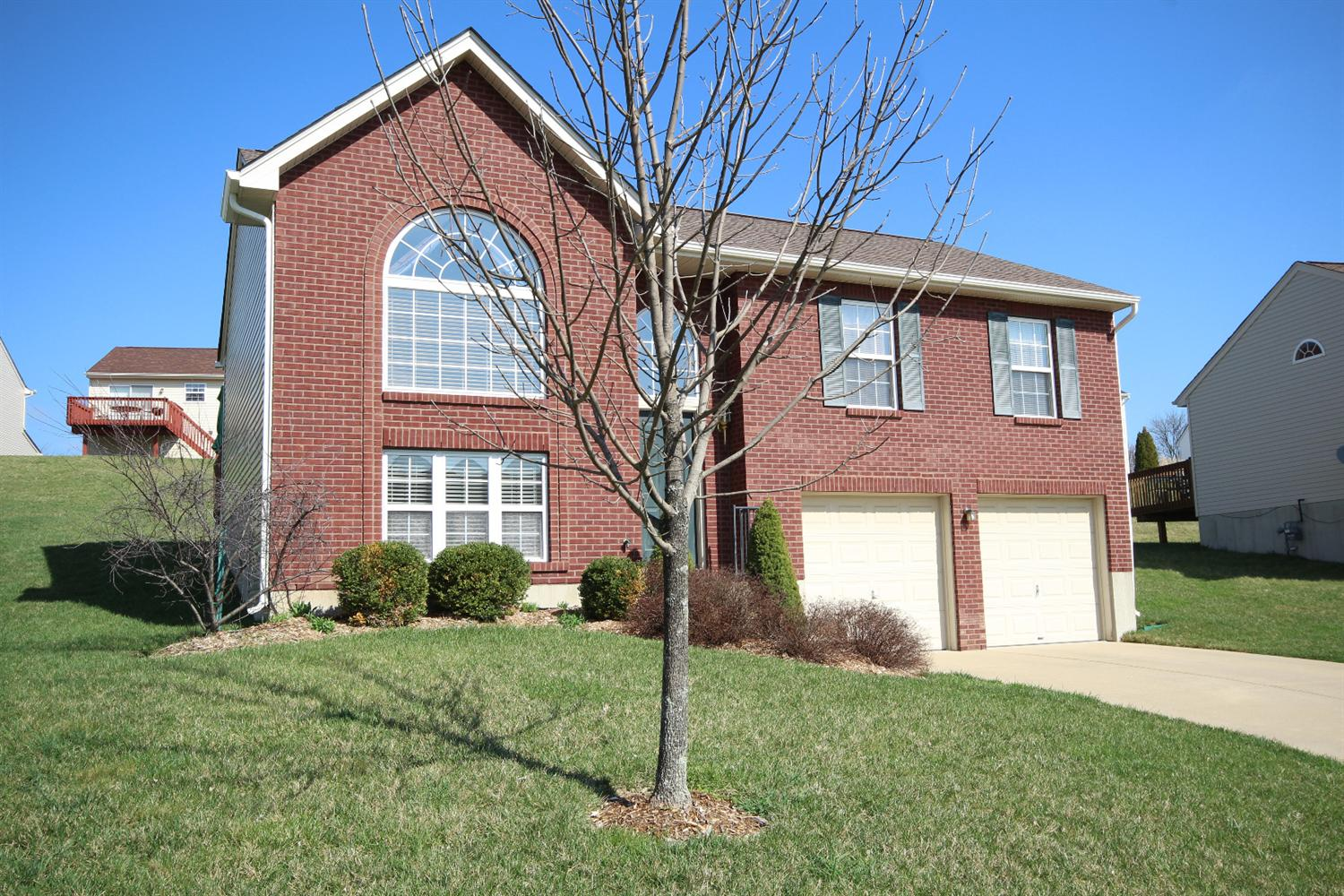 real estate photo 1 for 2485 Hilliard Dr Hebron, KY 41048