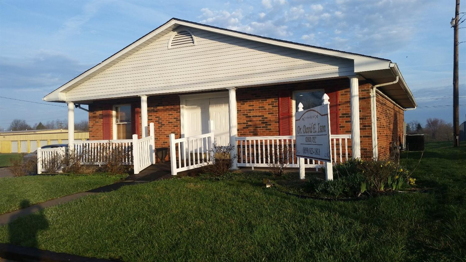 real estate photo 1 for 111 Humes Ridge Rd Williamstown, KY 41097