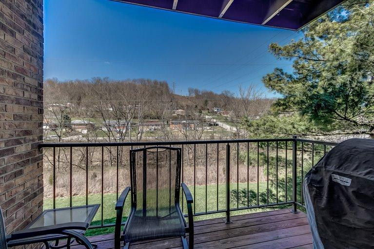 Photo 1 for 30 Woodland Hills Dr, 8 Southgate, KY 41071