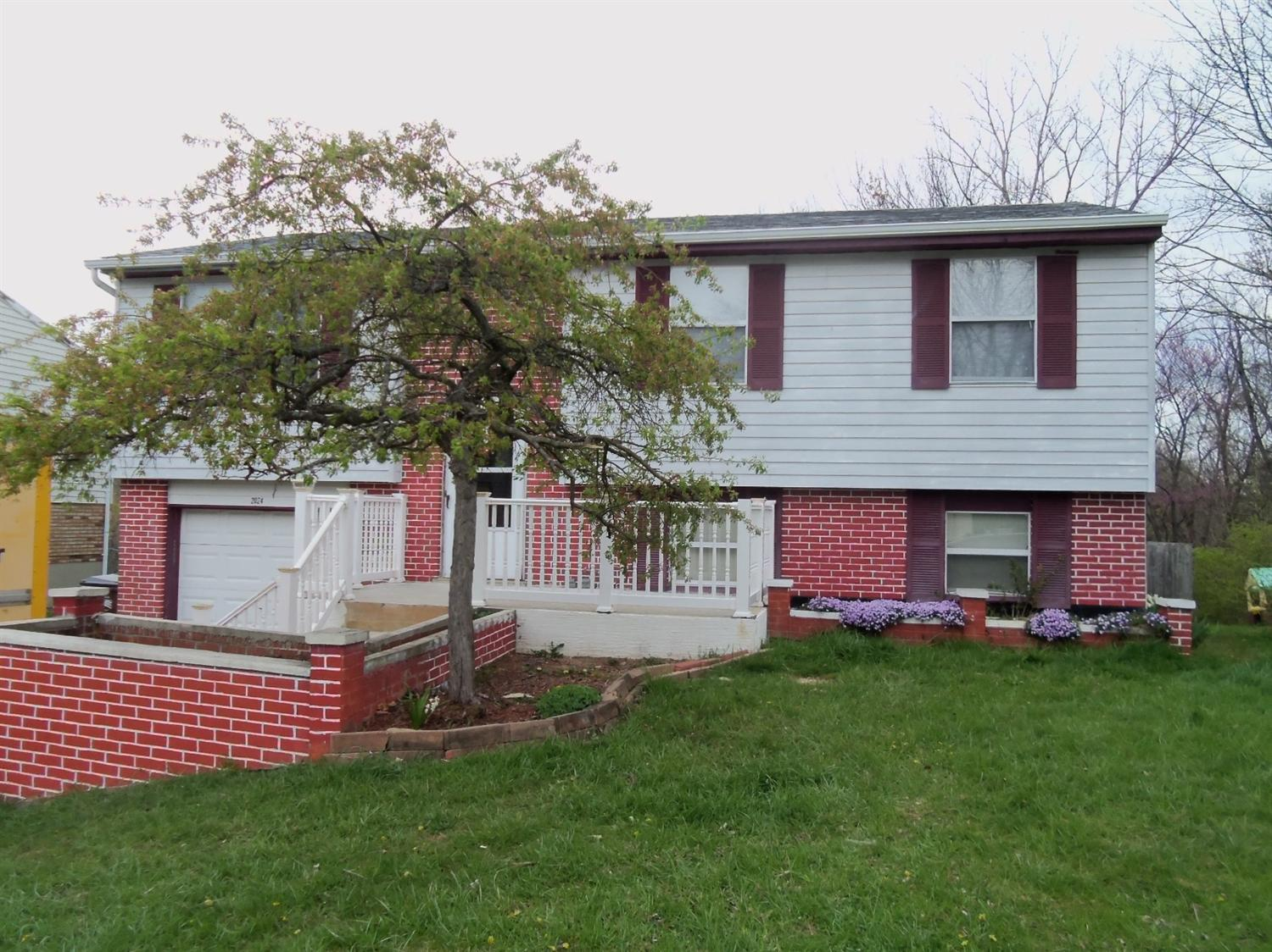 real estate photo 1 for 2024 Woodcrest Dr Independence, KY 41051