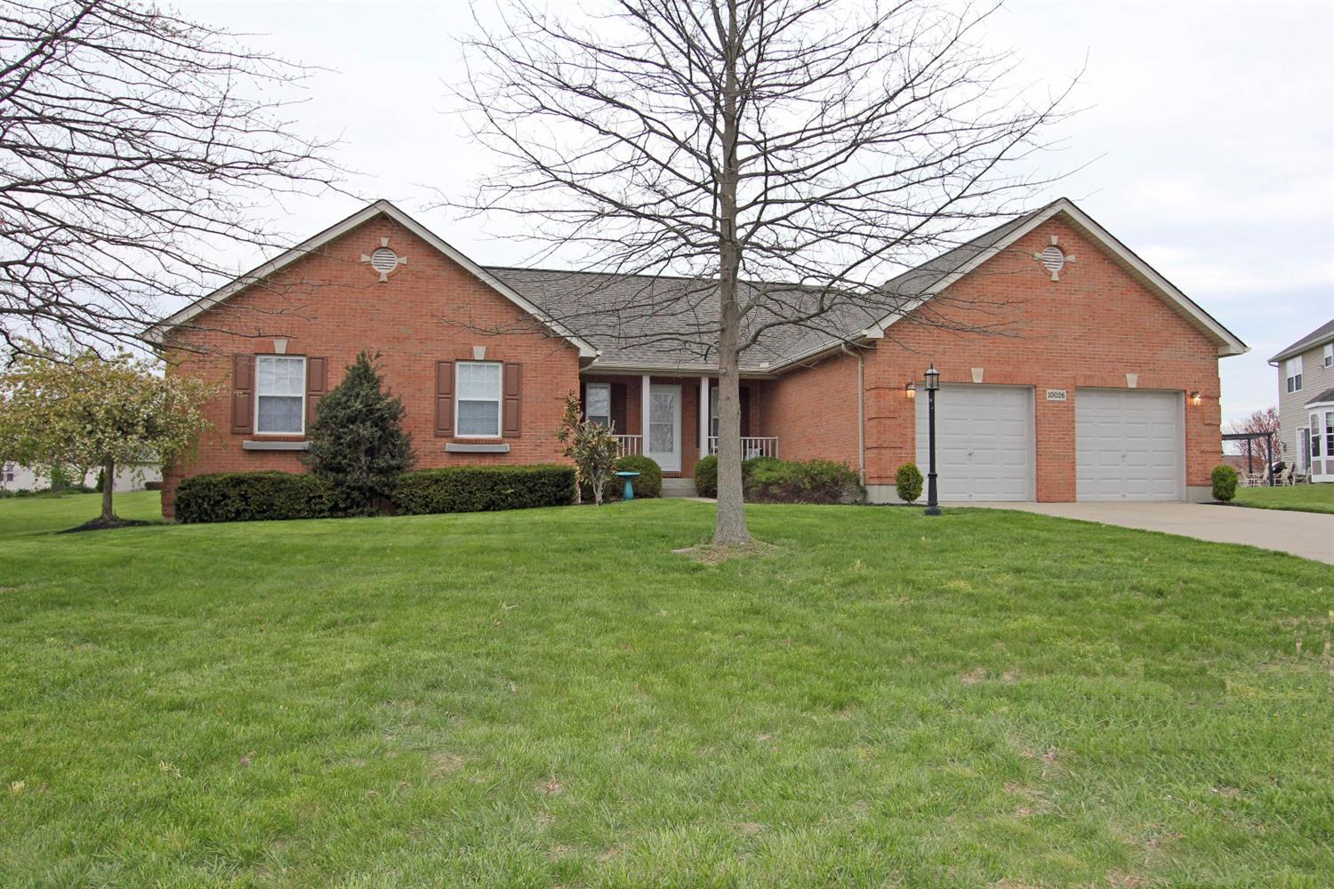 real estate photo 1 for 10026 Braxton Dr Union, KY 41091