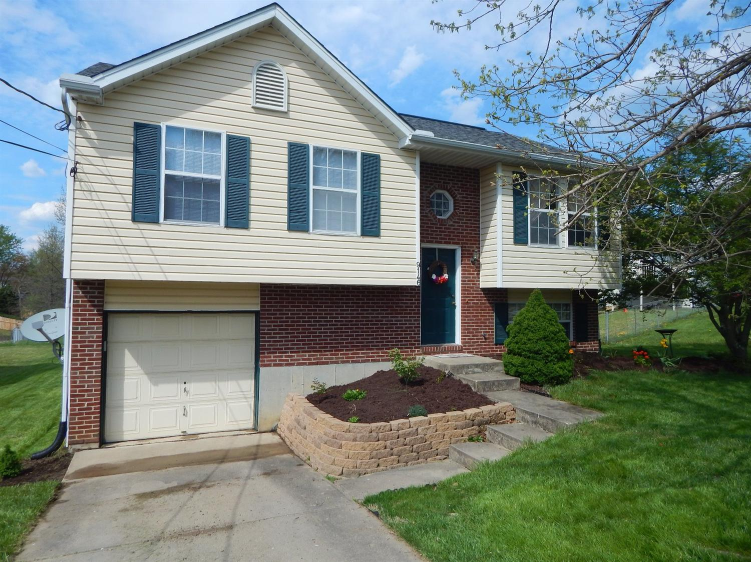 real estate photo 1 for 9146 Juniper Ln Covington, KY 41017