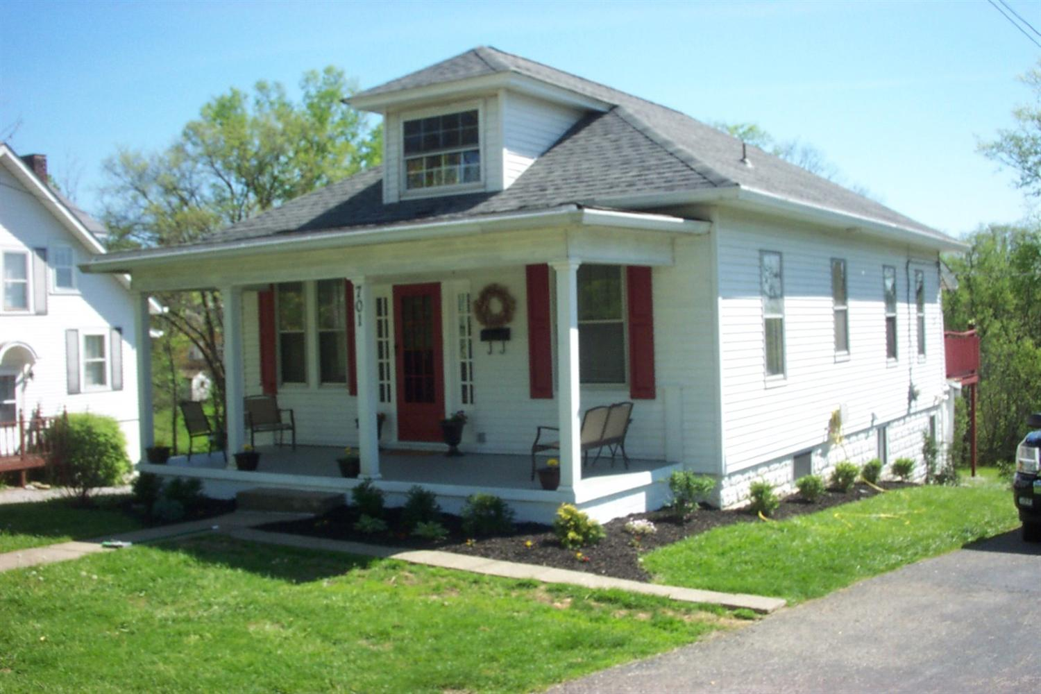 real estate photo 1 for 701 N Main St Williamstown, KY 41097