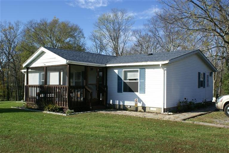 real estate photo 1 for 2030 Stewart Ln Sparta, KY 41086