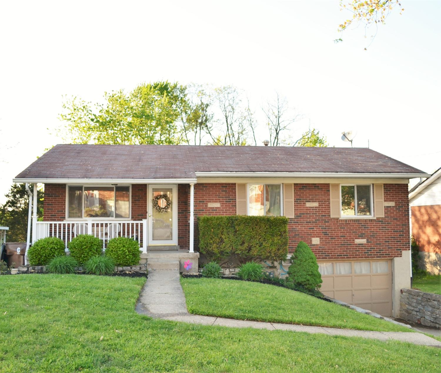 real estate photo 1 for 708 Francis Ln Covington, KY 41011