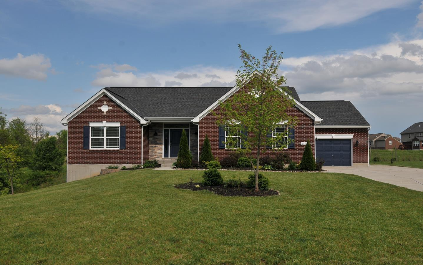 real estate photo 1 for 6816 Edgewood Dr Burlington, KY 41005