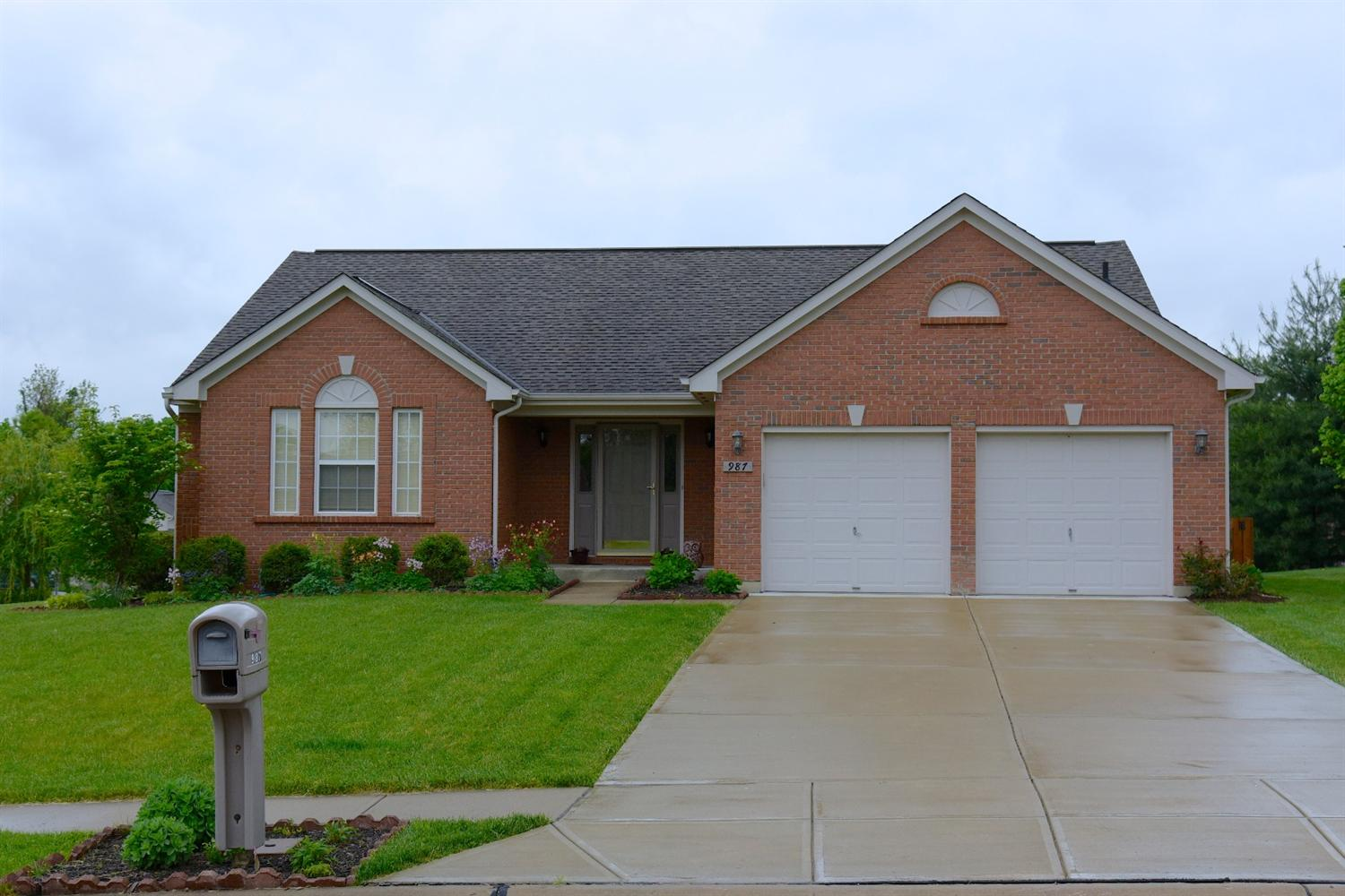 real estate photo 1 for 987 Surfridge Dr Hebron, KY 41048