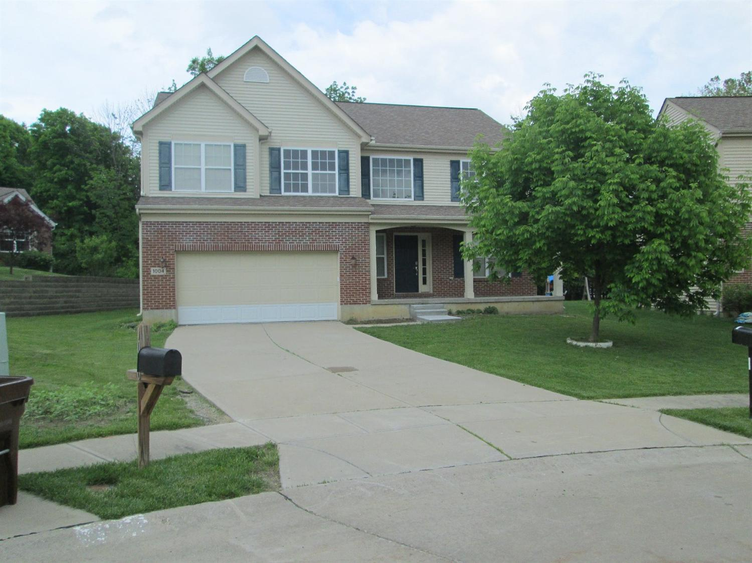 real estate photo 1 for 1004 Hunterallen Dr Florence, KY 41042