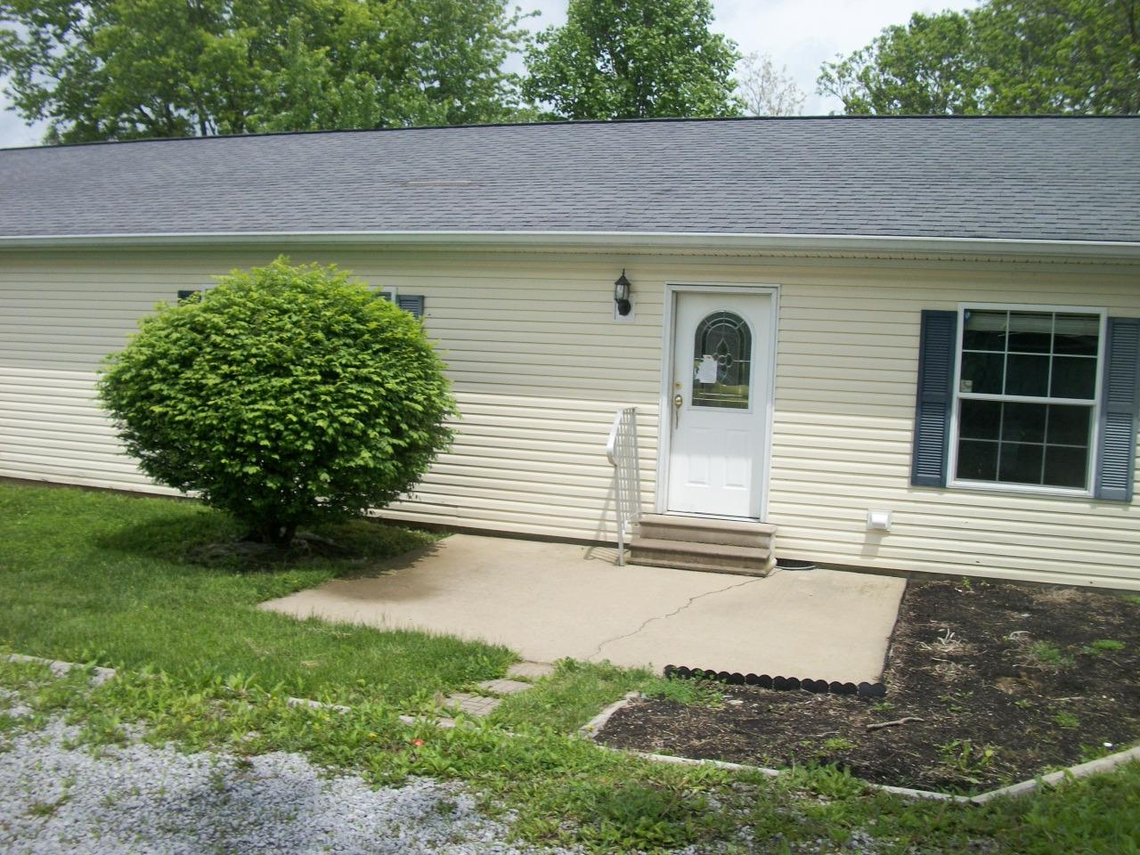 real estate photo 1 for 508 Waterworks Rd, A Williamstown, KY 41097