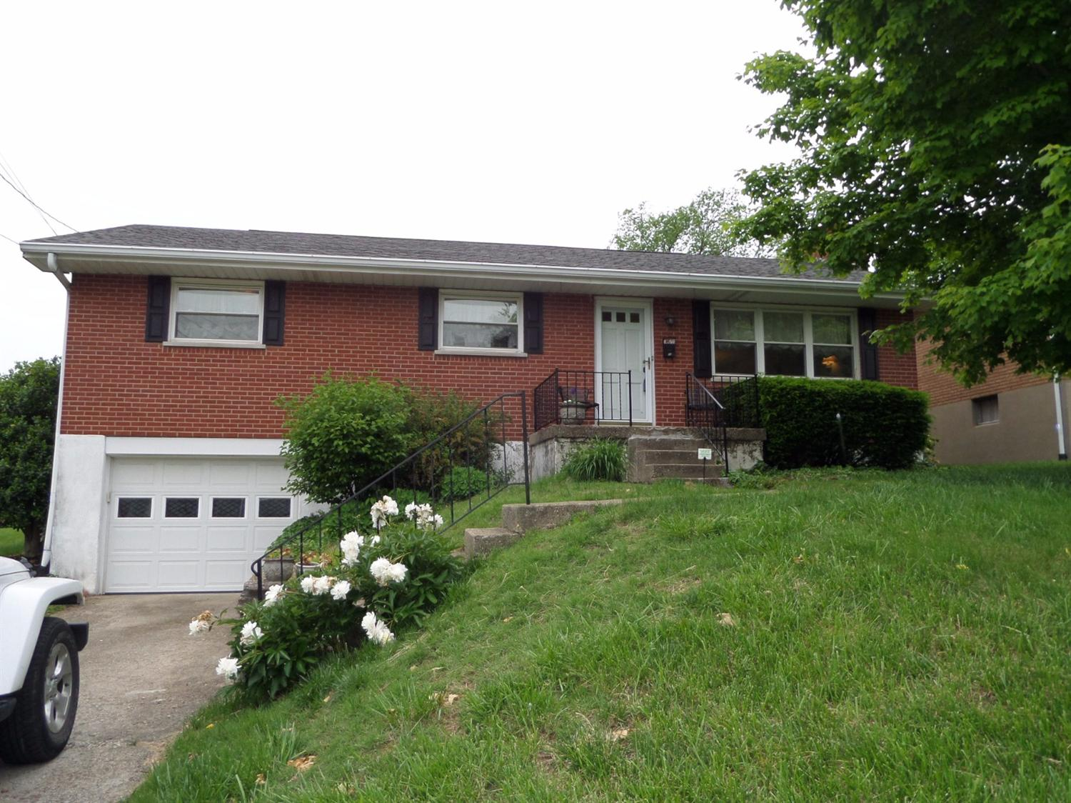 Photo 1 for 10 Douglas Dr Newport, KY 41071