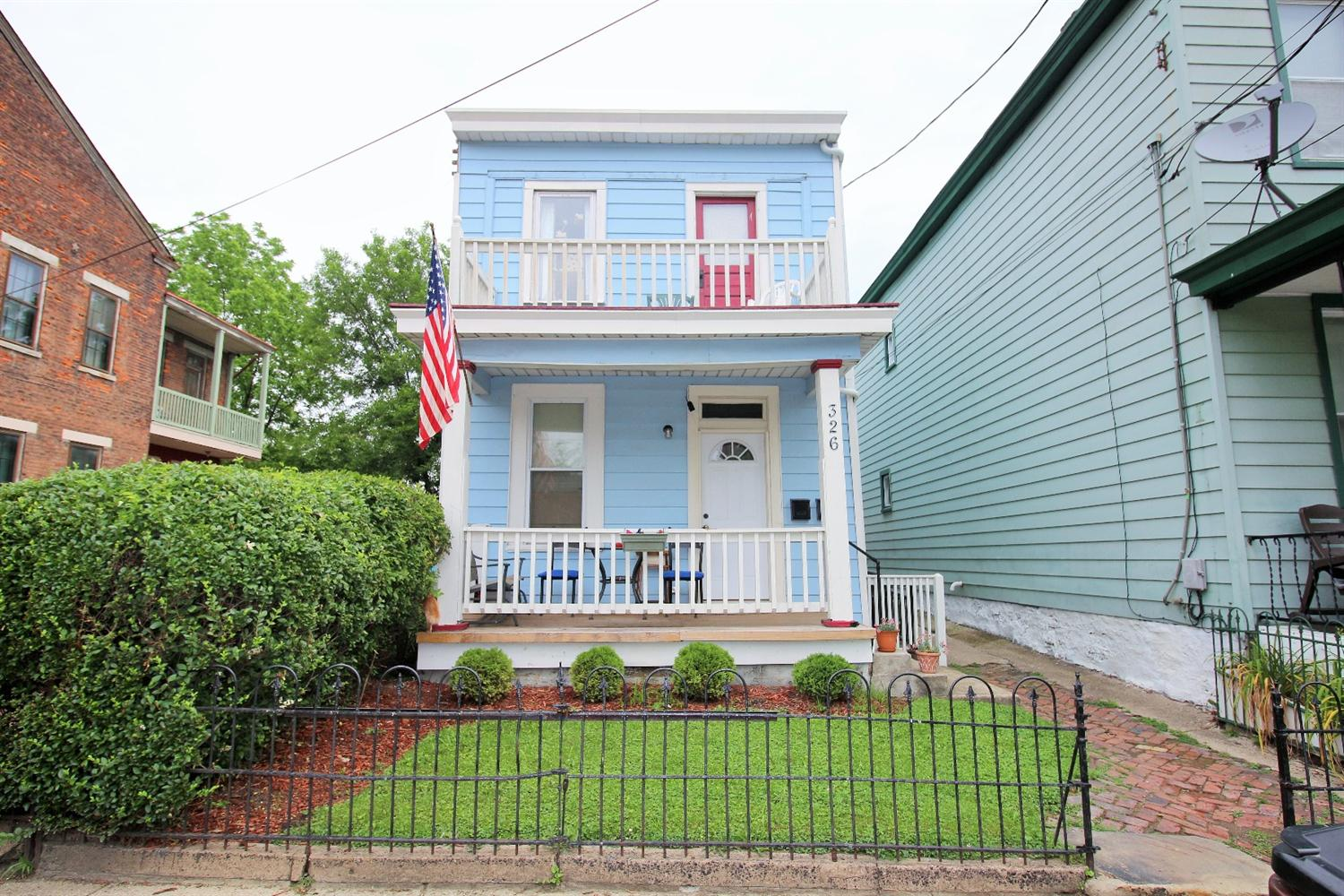 real estate photo 1 for 326 E 12th St Covington, KY 41011