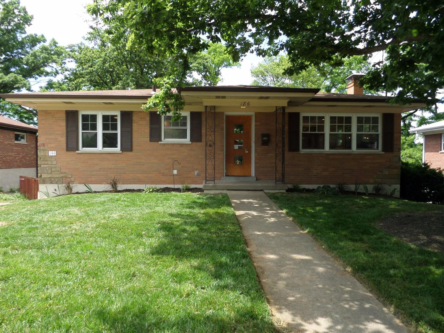 real estate photo 1 for 186 Holiday Ln Fort Thomas, KY 41075