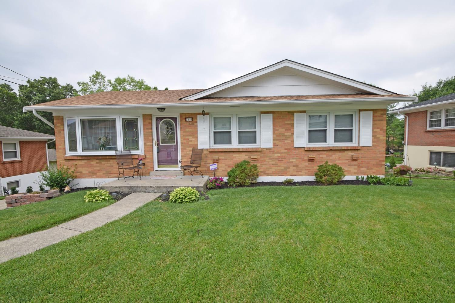 real estate photo 1 for 206 Knollwood Dr Highland Heights, KY 41076