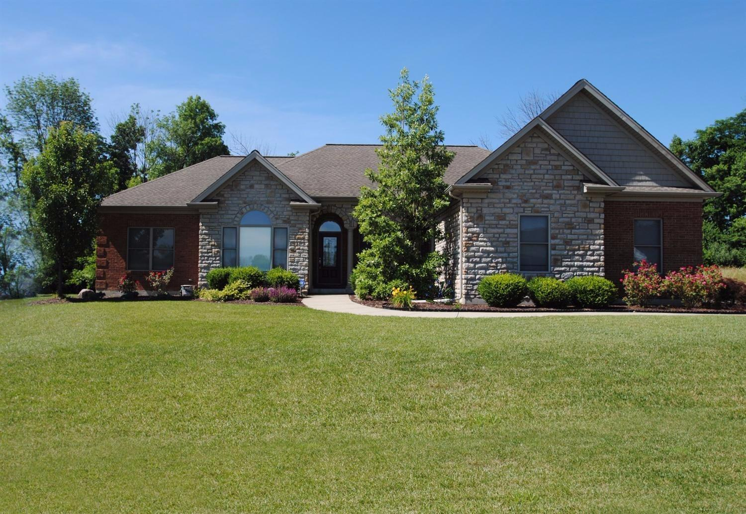 real estate photo 1 for 9717 Manassas Dr Florence, KY 41042