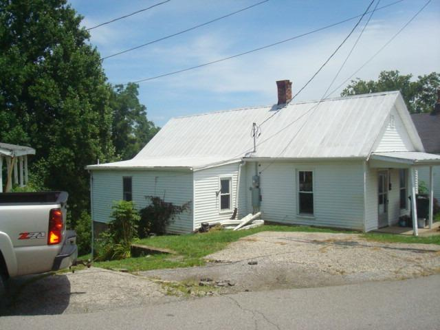 real estate photo 1 for 200 Cynthiana St Williamstown, KY 41097