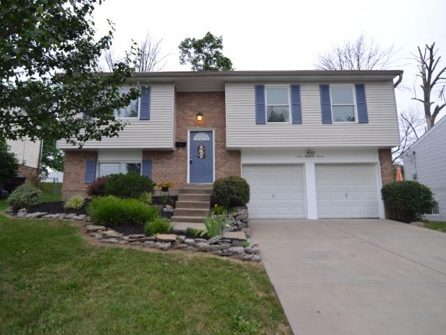 real estate photo 1 for 407 Merravay Dr Florence, KY 41042