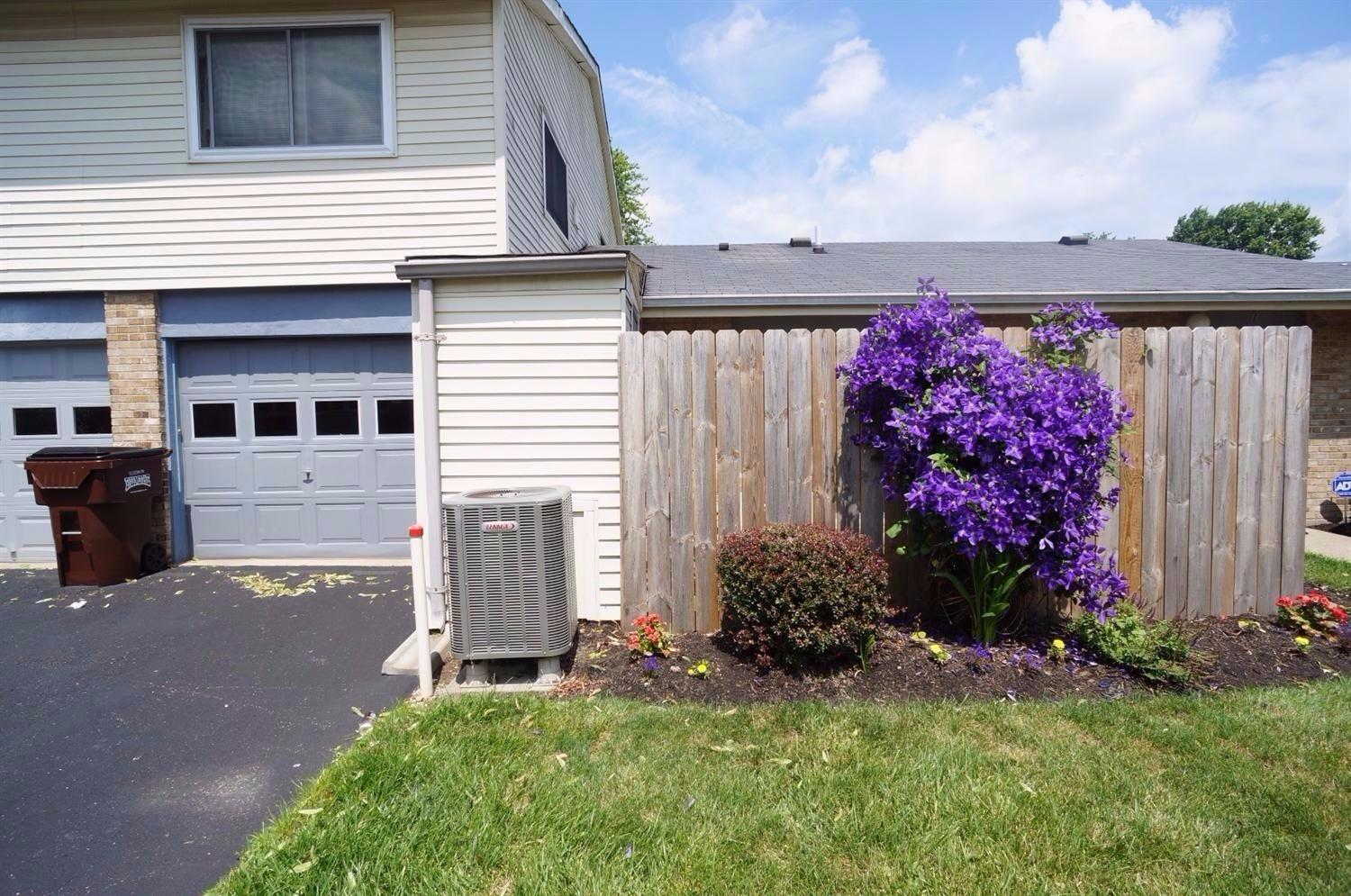 real estate photo 2 for 1060 Oakwood Ct, 1 Independence, KY 41051