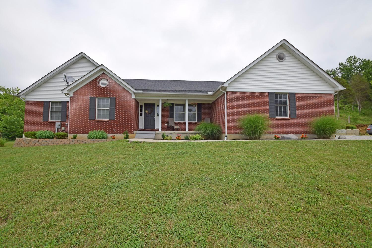 real estate photo 1 for 1923 Mullins Ln Demossville, KY 41033