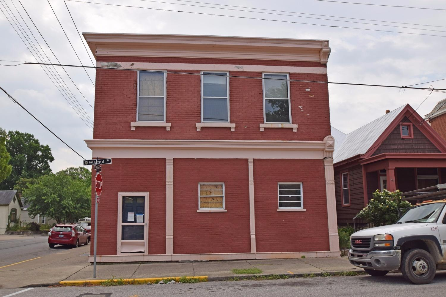 real estate photo 1 for 242 Walnut St Bellevue, KY 41073