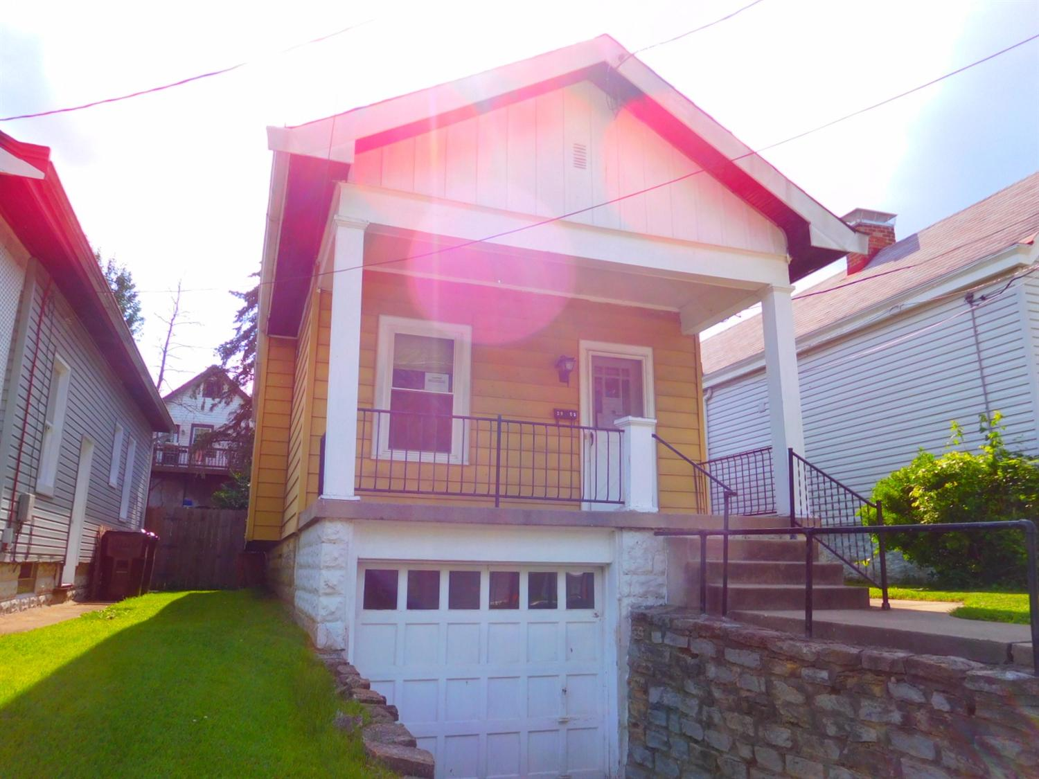 real estate photo 1 for 3905 Leslie Ave Latonia, KY 41015