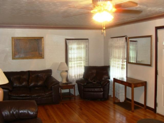real estate photo 2 for 12 W 33rd St Covington, KY 41015
