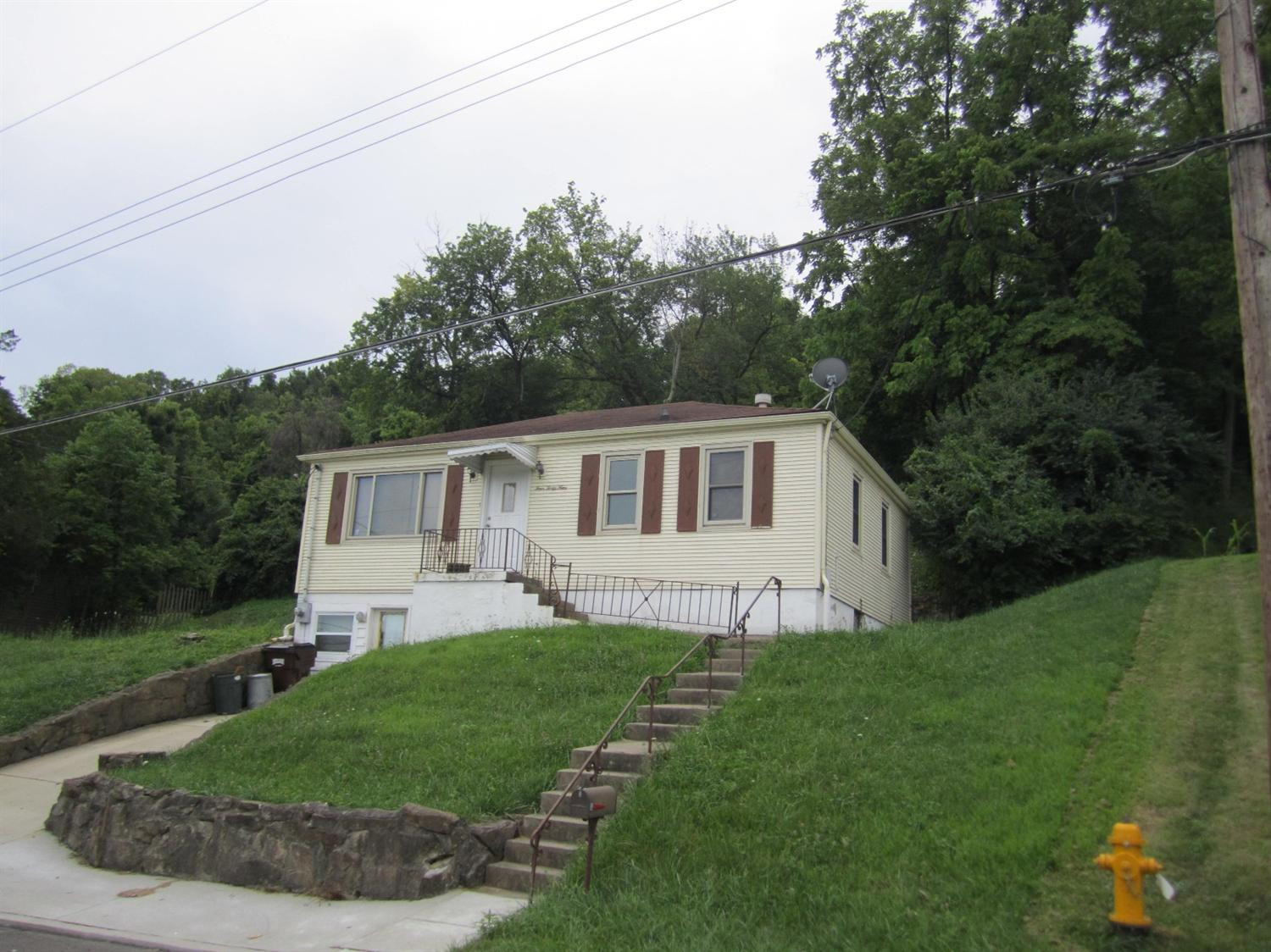 real estate photo 1 for 449 Hazen St Ludlow, KY 41016