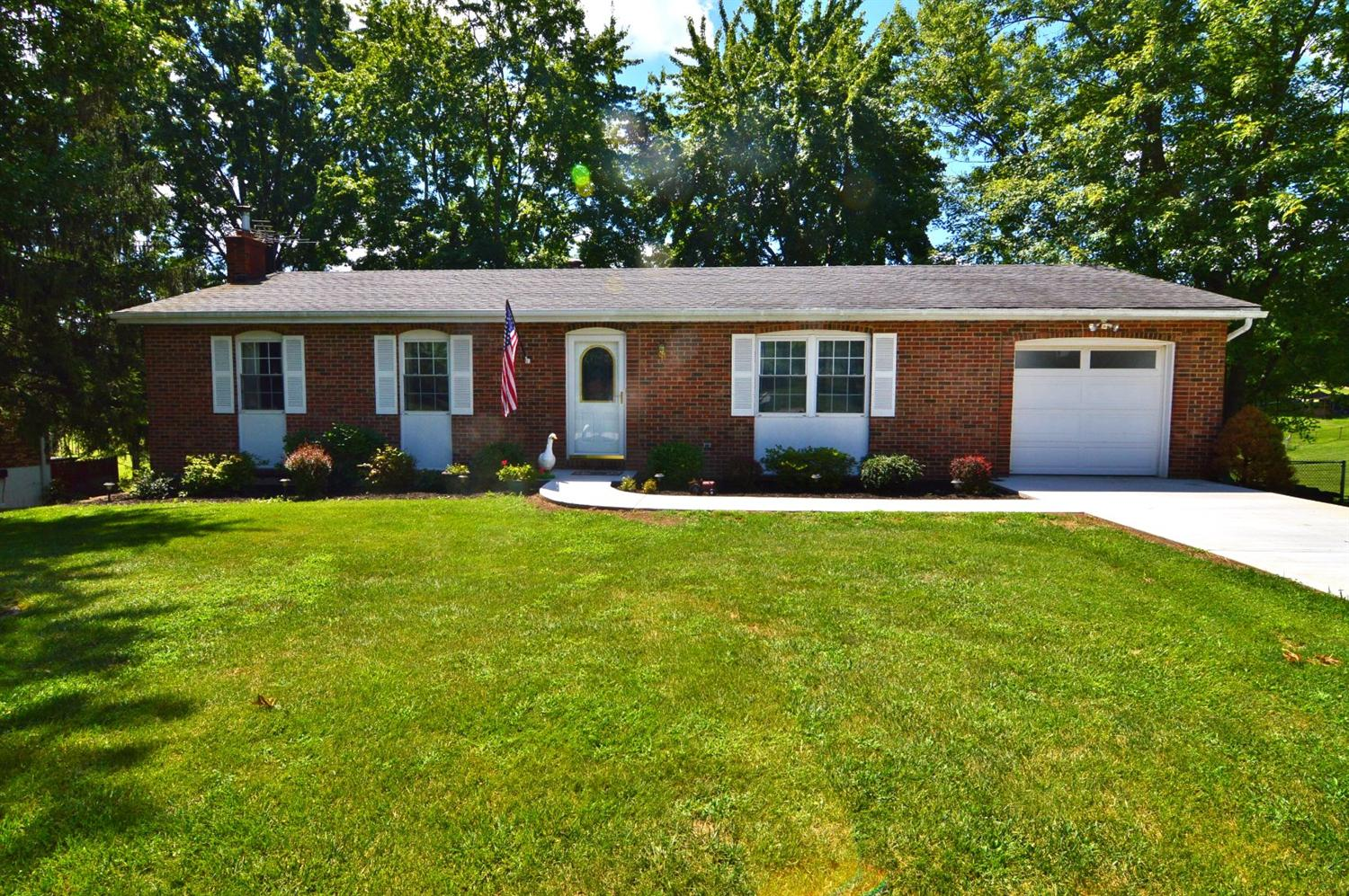 real estate photo 1 for 2047 Lincoln Dr Independence, KY 41051