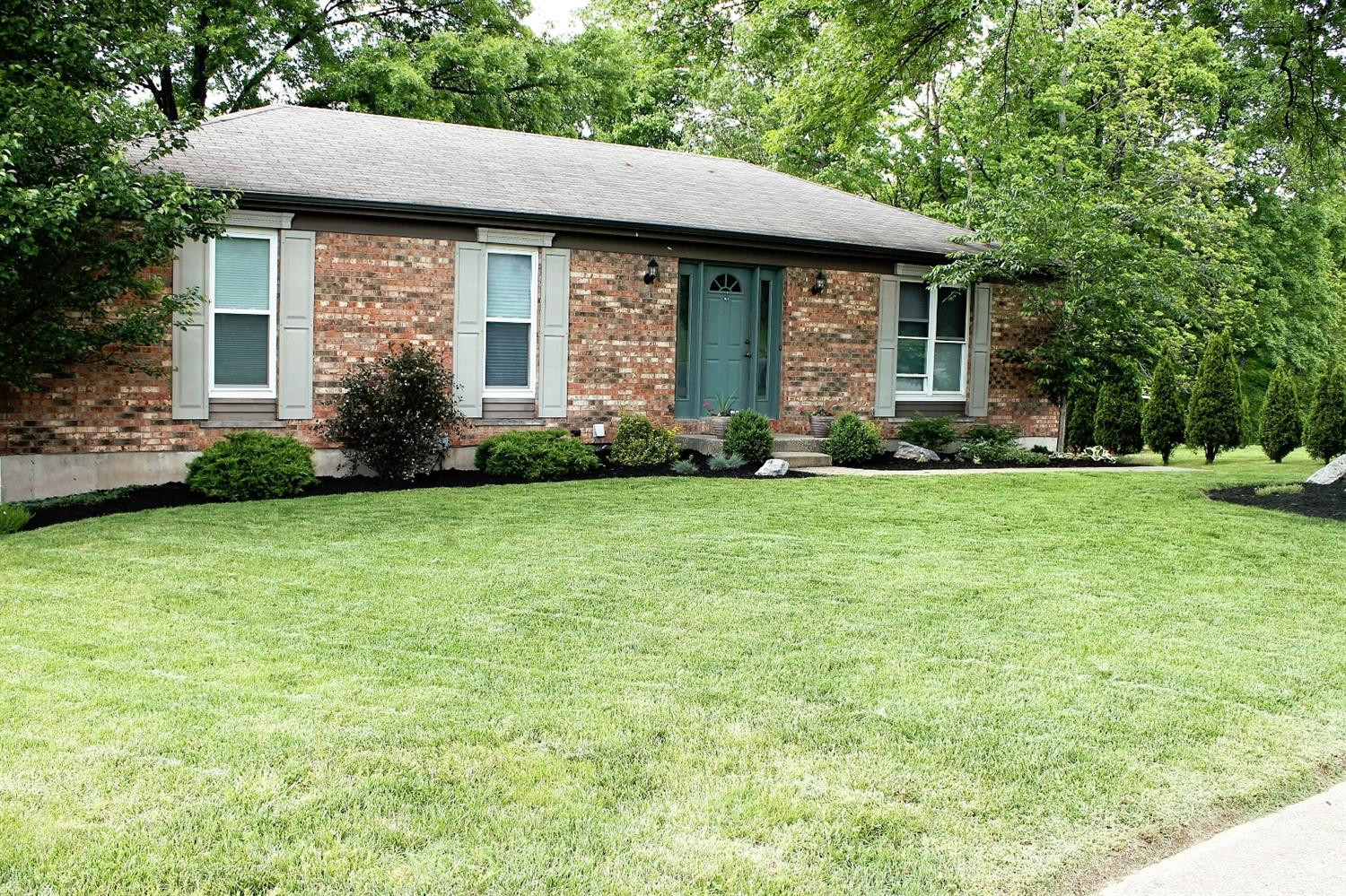 real estate photo 1 for 130 Ridge Hill Dr Highland Heights, KY 41076