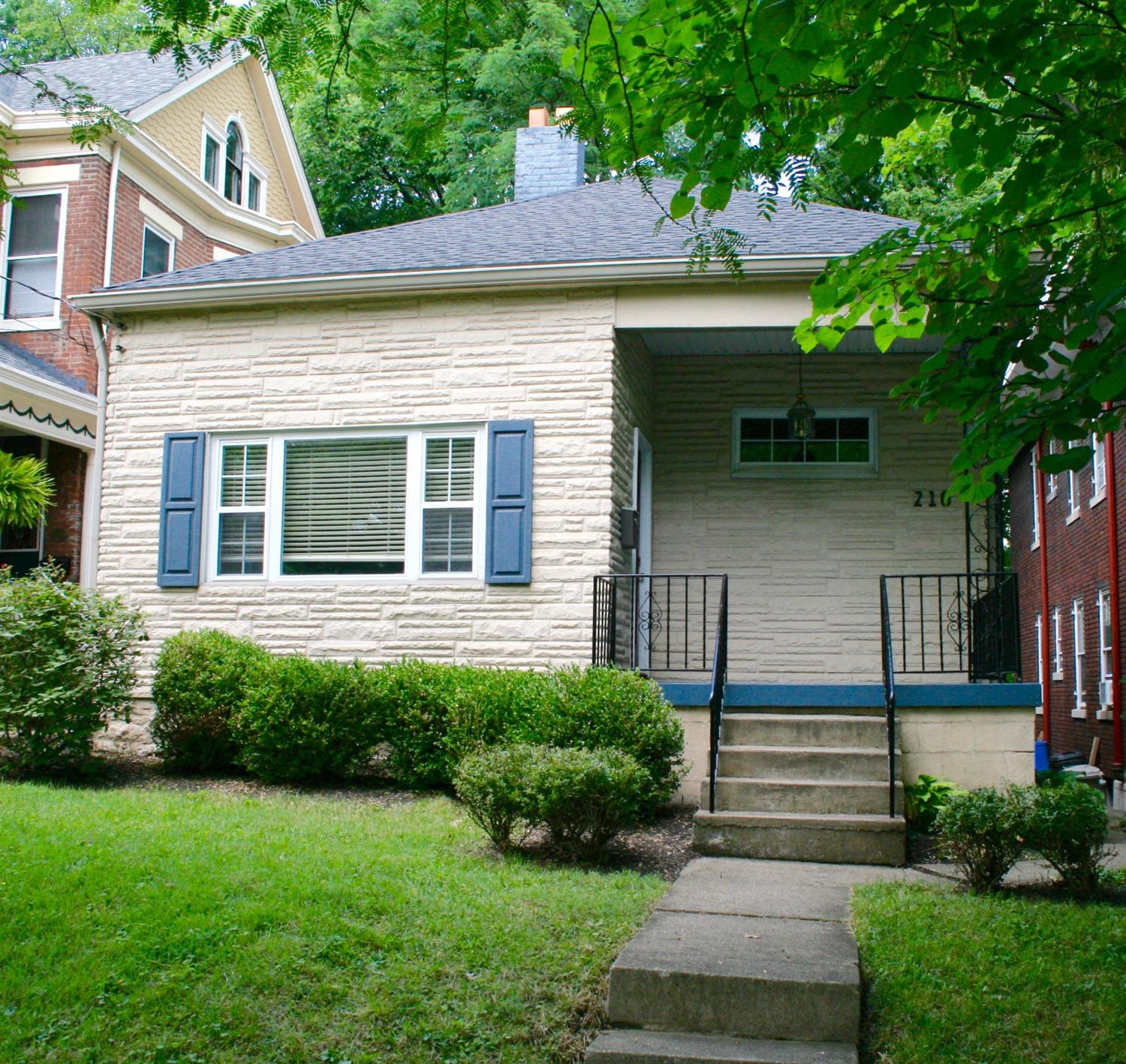 real estate photo 1 for 210 Sterrett Ave Covington, KY 41014