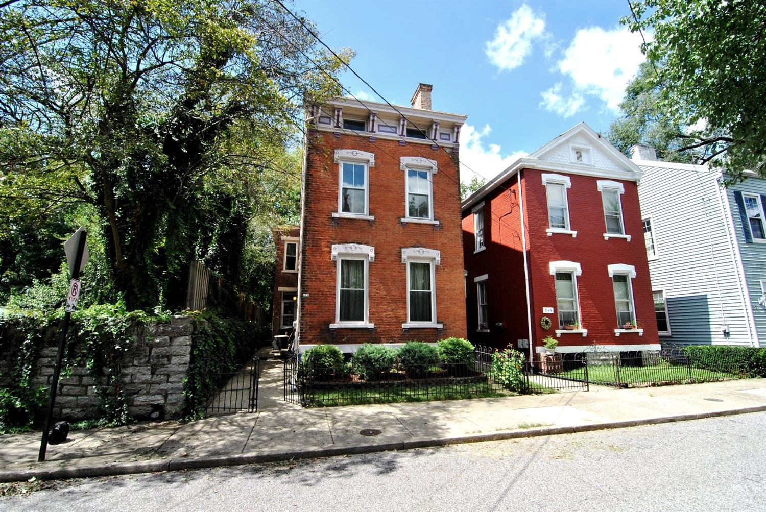 real estate photo 1 for 651 Dalton St Covington, KY 41011