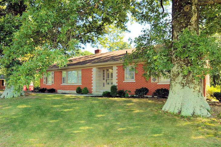 real estate photo 1 for 314 Humes Ridge Rd Williamstown, KY 41097