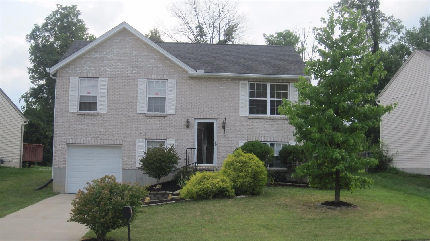 real estate photo 1 for 3009 Lansdowne Ln Hebron, KY 41048