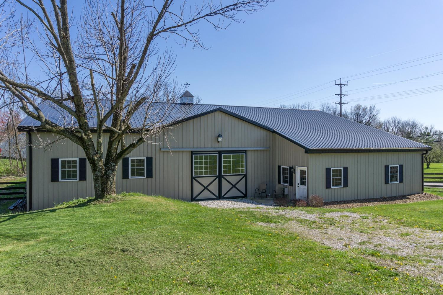 real estate photo 1 for 1366 Beemon Ln Florence, KY 41042