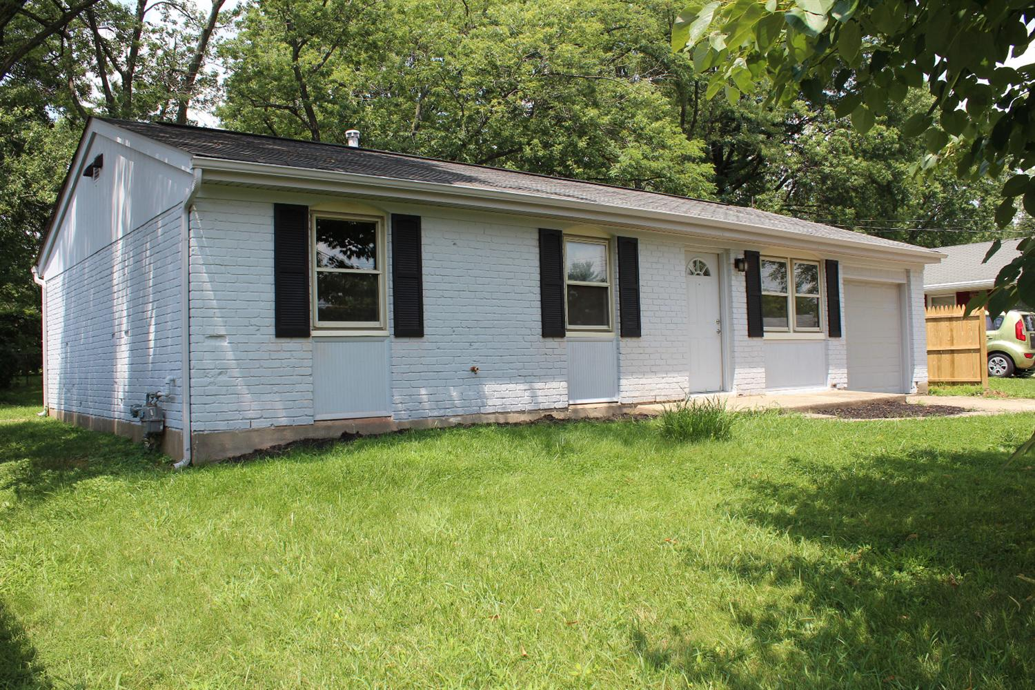 real estate photo 1 for 53 Miriam Dr Florence, KY 41042