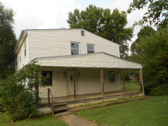 real estate photo 1 for 301 E 1st St Silver Grove, KY 41085