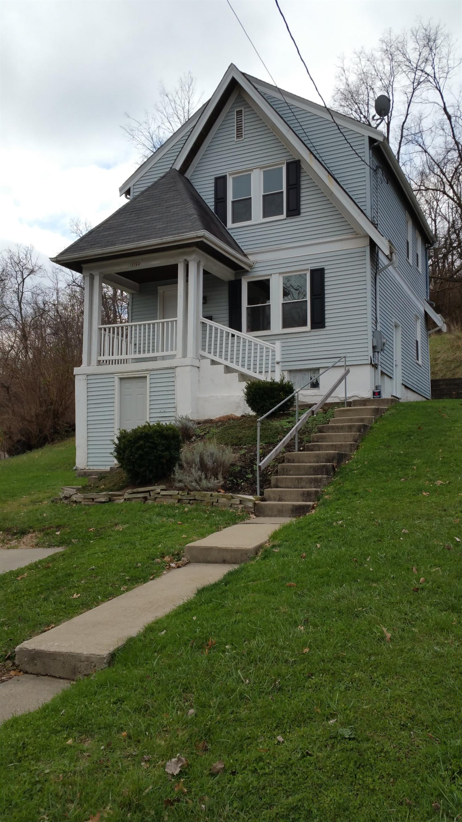 real estate photo 1 for 1744 Monmouth St Newport, KY 41071
