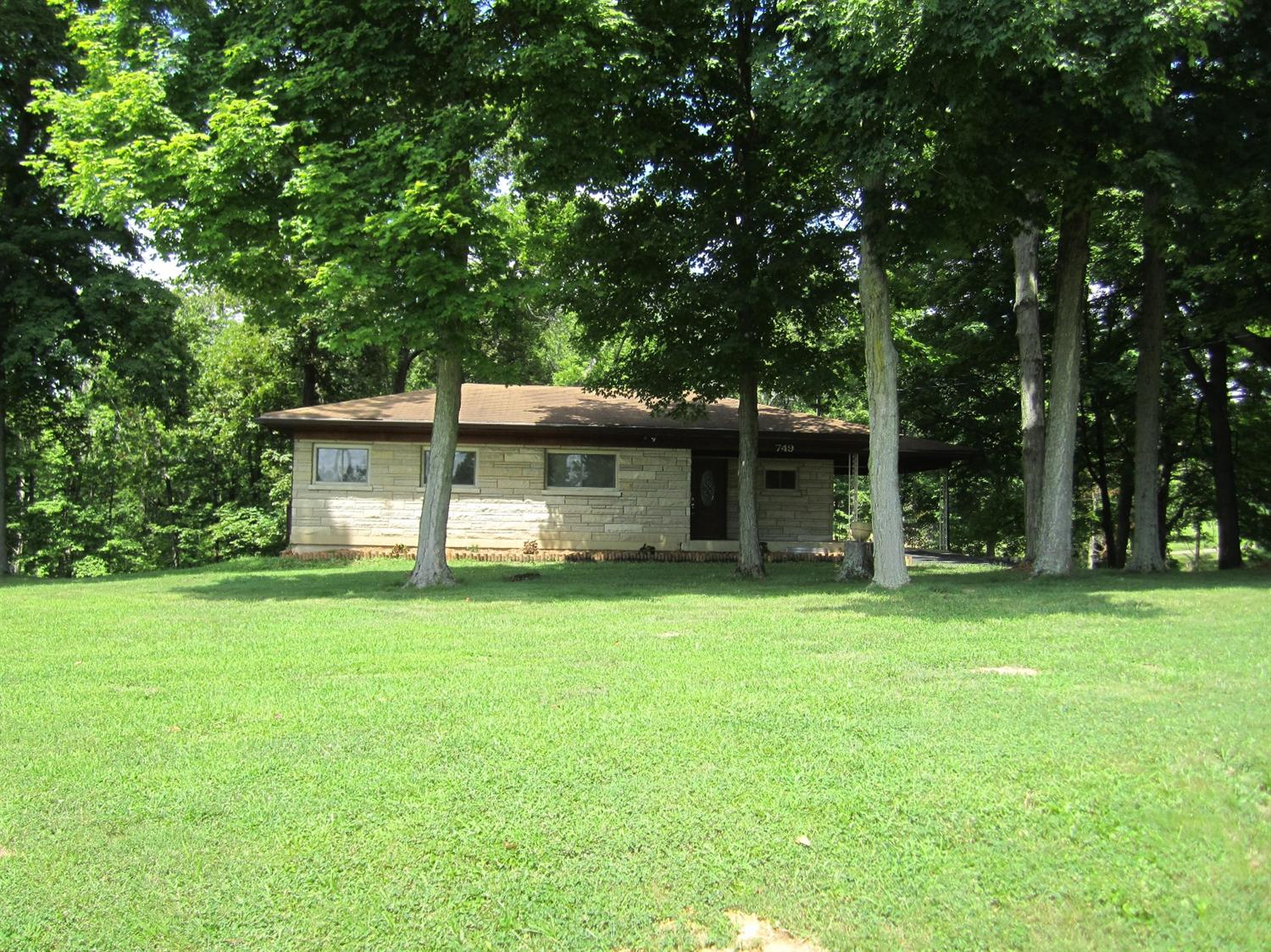 real estate photo 1 for 749 Beech Dr Taylor Mill, KY 41015