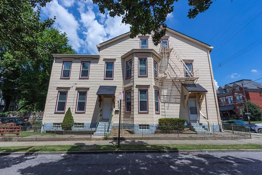 real estate photo 1 for 823 Main St Covington, KY 41011