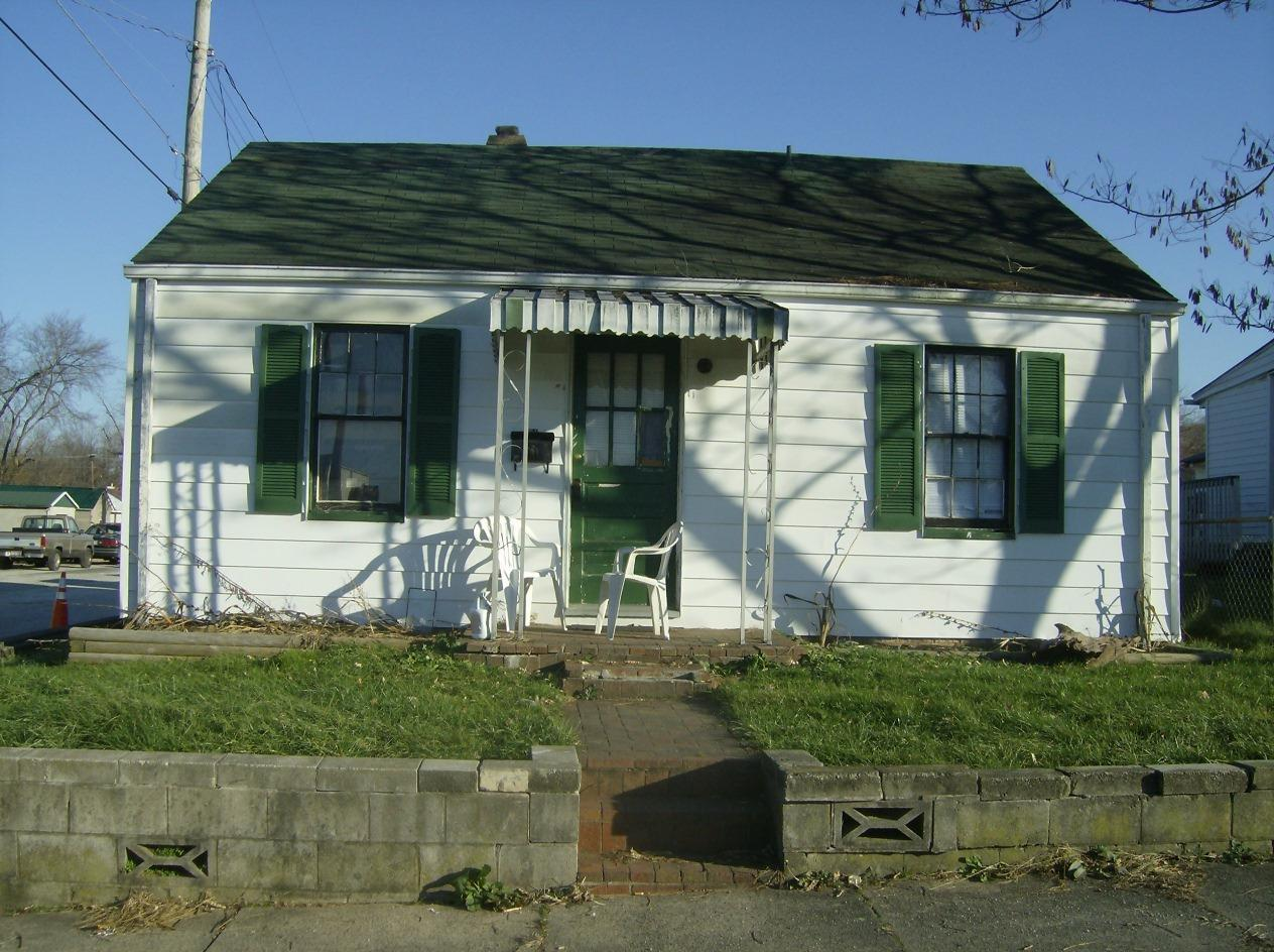 real estate photo 1 for 304 Broadway St Maysville, KY 41056