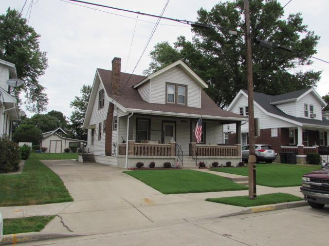 real estate photo 1 for 211 E 3rd St Silver Grove, KY 41085