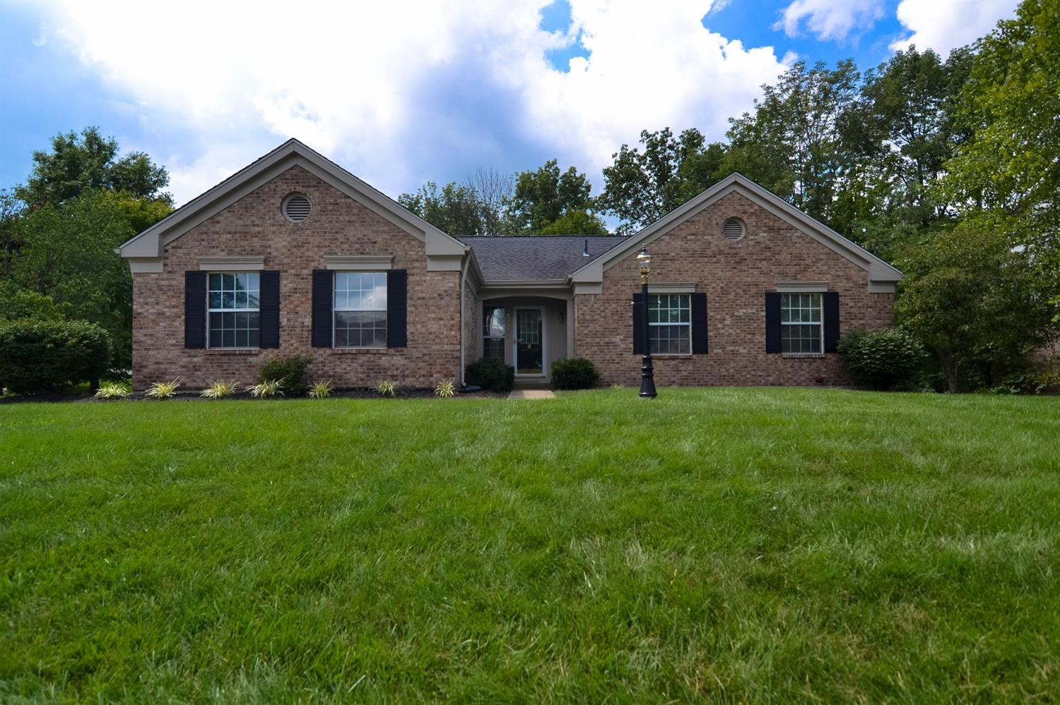 real estate photo 1 for 6131 Par Four Ct Florence, KY 41042