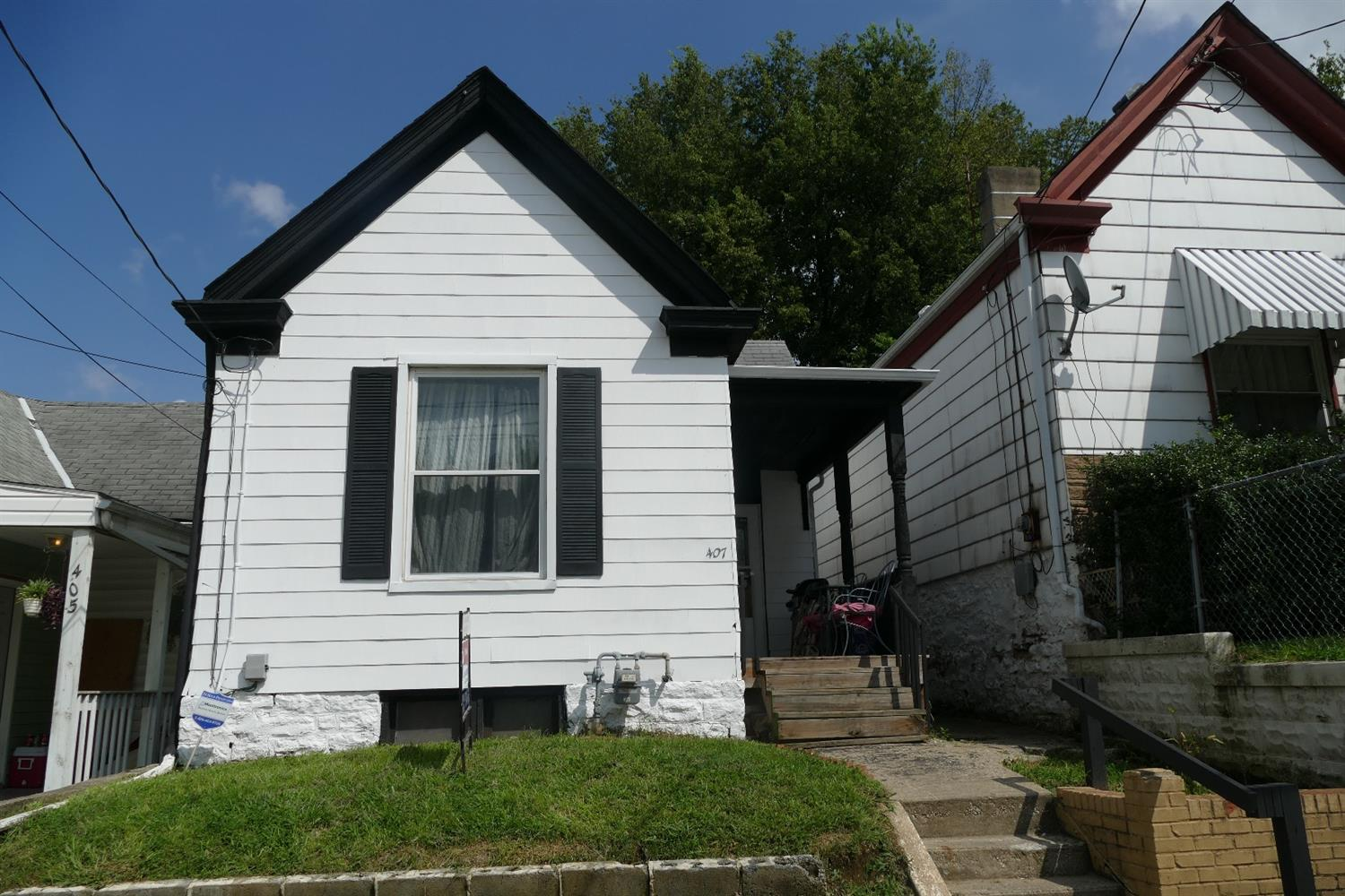 real estate photo 1 for 407 Kenton St Dayton, KY 41074