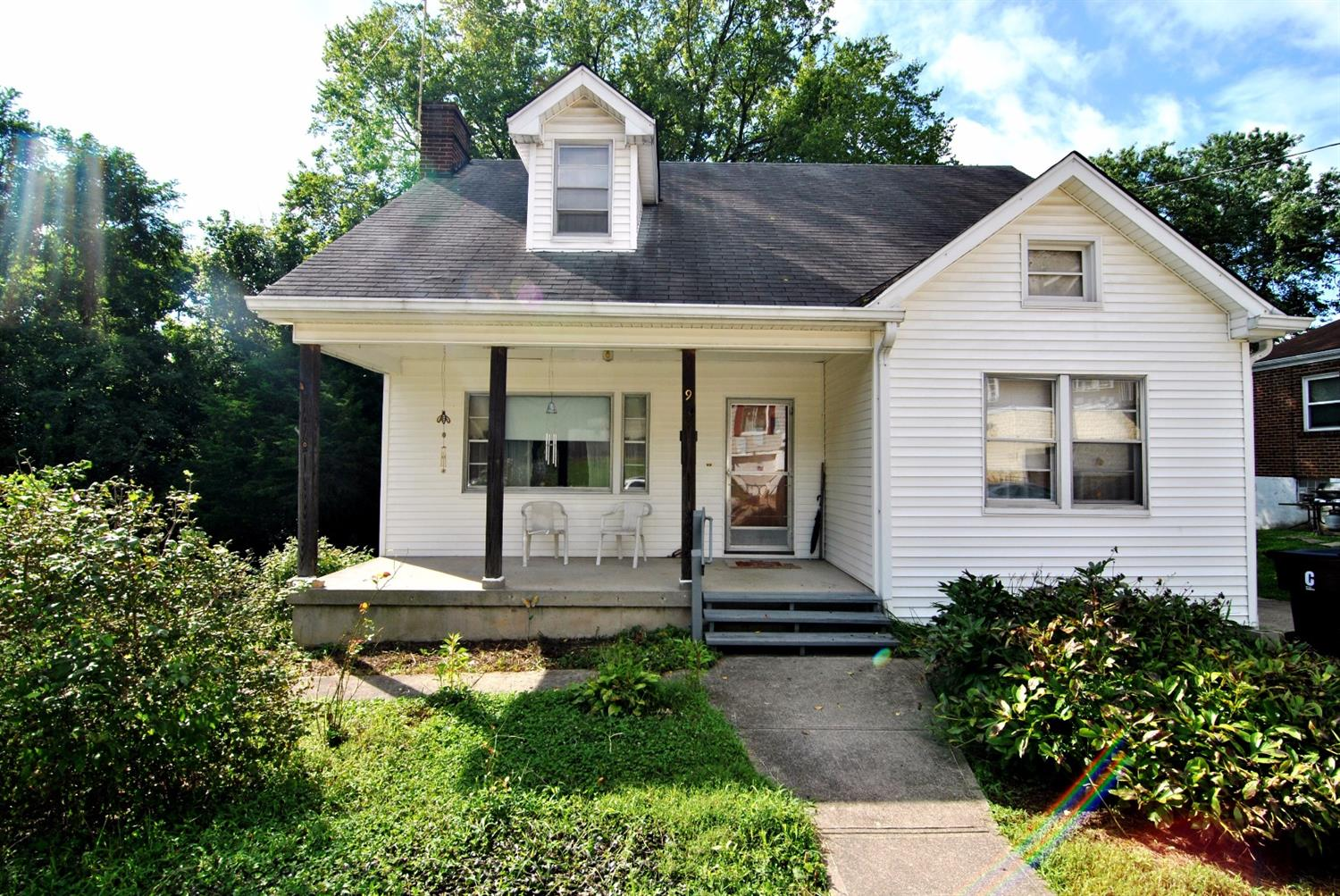 real estate photo 1 for 9 E 28th St Latonia, KY 41015