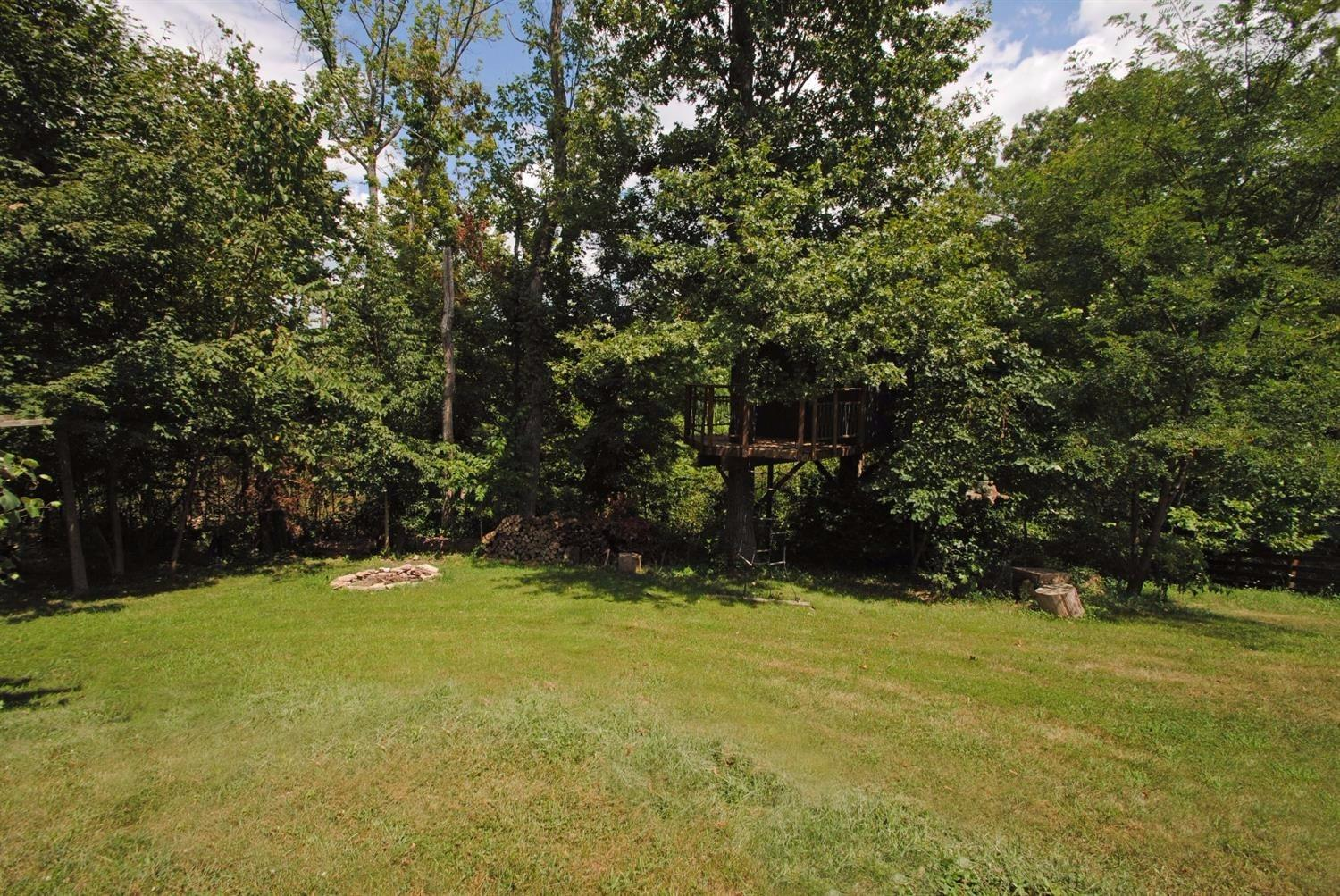 real estate photo 2 for 100 Sydneys Ct Burlington, KY 41005