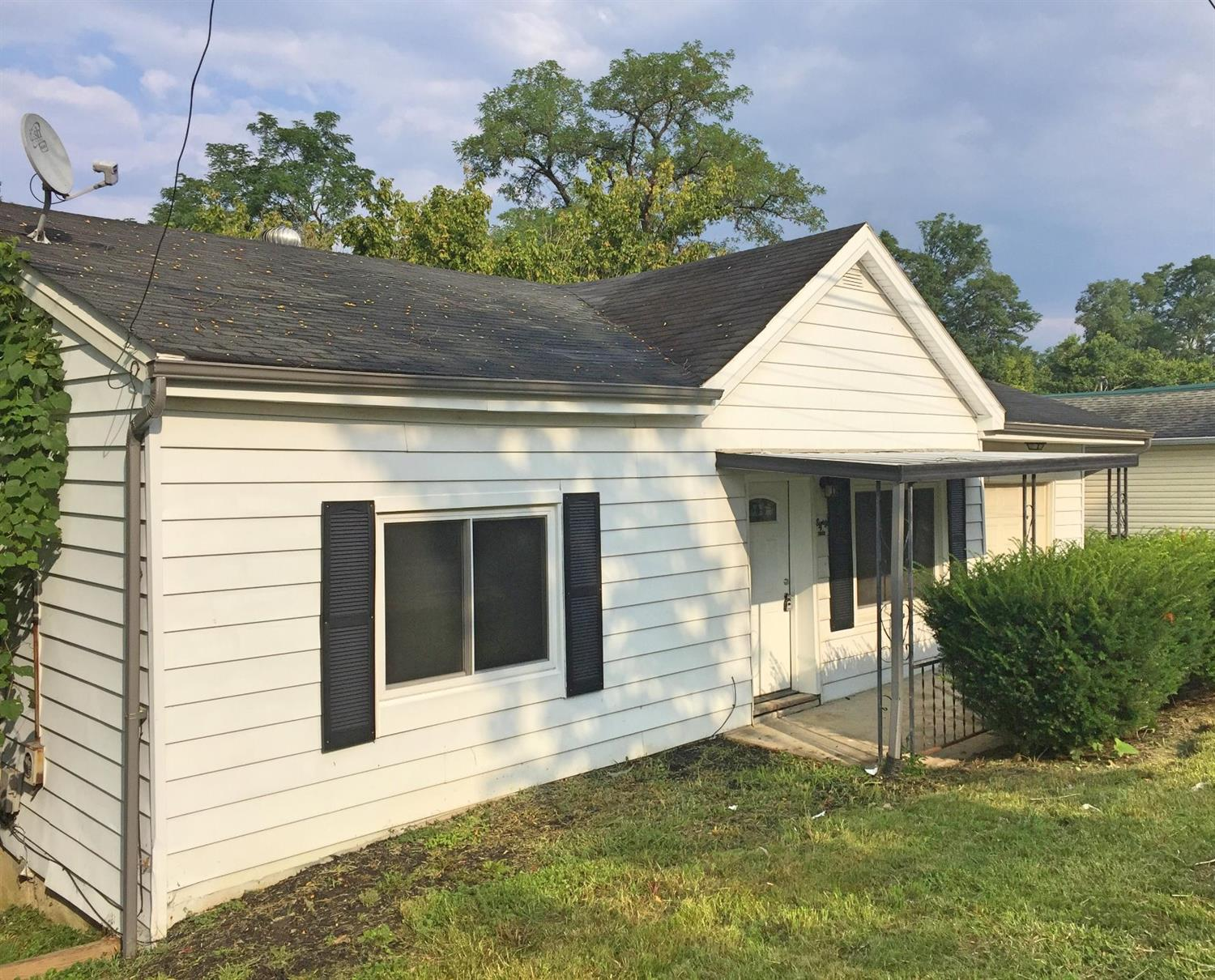 real estate photo 1 for 86 N Main St Walton, KY 41094
