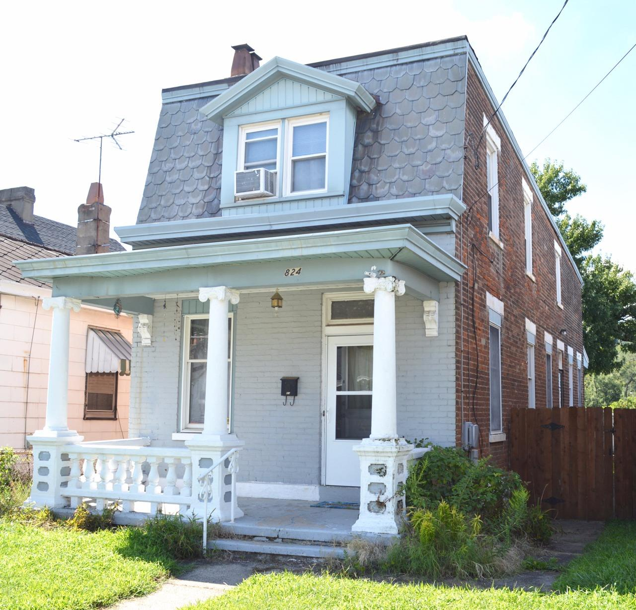 real estate photo 1 for 824 Oak St Ludlow, KY 41016