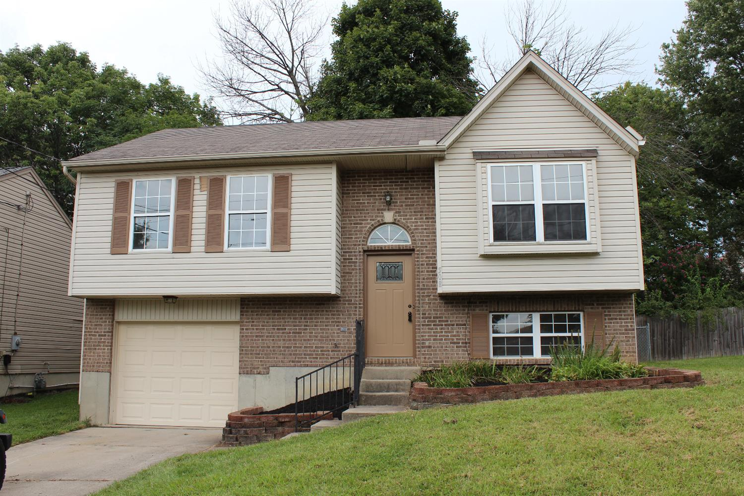 real estate photo 1 for 508 Grouse Ct Elsmere, KY 41018